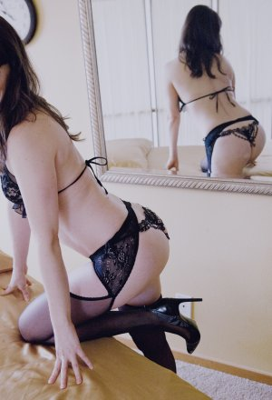 Dorianne escort girl in Davidson