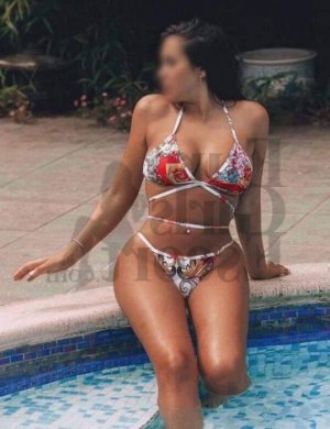 Sollange escort girl in Gateway