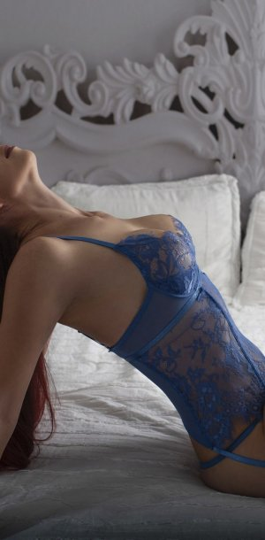 Mary-morgane escorts